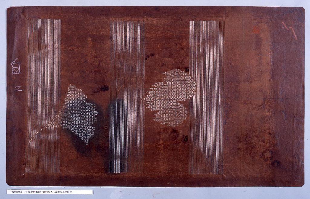 作品画像:長板中形型紙 大判糸入 縞地に蔦と銀杏