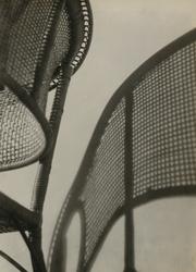 作品画像:(椅子とその影)