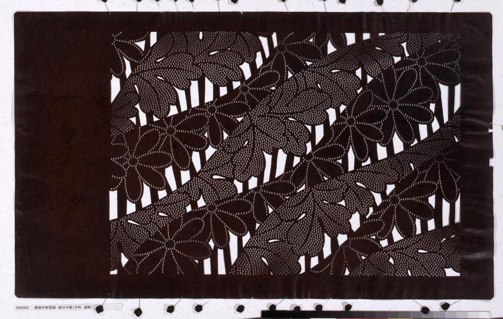 作品画像:長板中形型紙 鹿の子菊(大判 追掛)