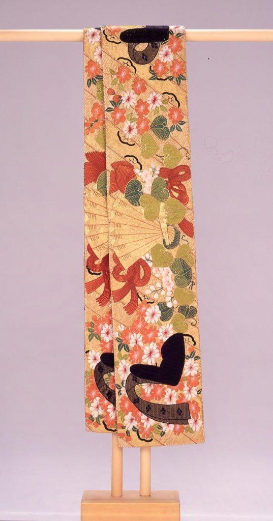 作品画像:黄土ビロード地簾桜葵烏帽子模様縫掛下帯