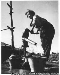 作品画像:焼跡の井戸
