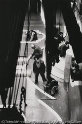 作品画像:東京浅草 花月劇場の舞台装置をする山崎醇之輔さん
