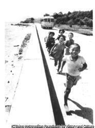 作品画像:壺井栄『二十四の瞳』岬の村への道