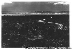 作品画像:梅崎春生『桜島』熔岩地帯と鹿児島市