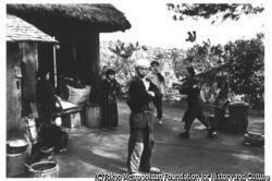 作品画像:梅崎春生『桜島』熔岩地帯の中に孤絶する黒神部落の農家