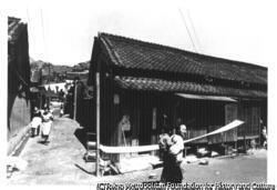 作品画像:椎名鱗三『美しい女』神戸市S電鉄本社近くにあるモデルH氏宅