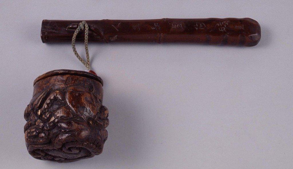 作品画像:木製魚籠型鮹彫とんこつ腰差したばこ入れ