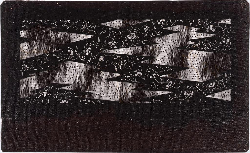 作品画像:長板中形型紙 稲妻文 唐草