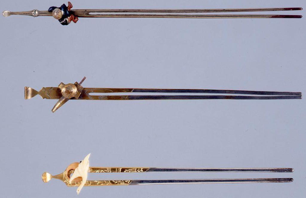 作品画像:銀足彫刻付象牙月に雁簪
