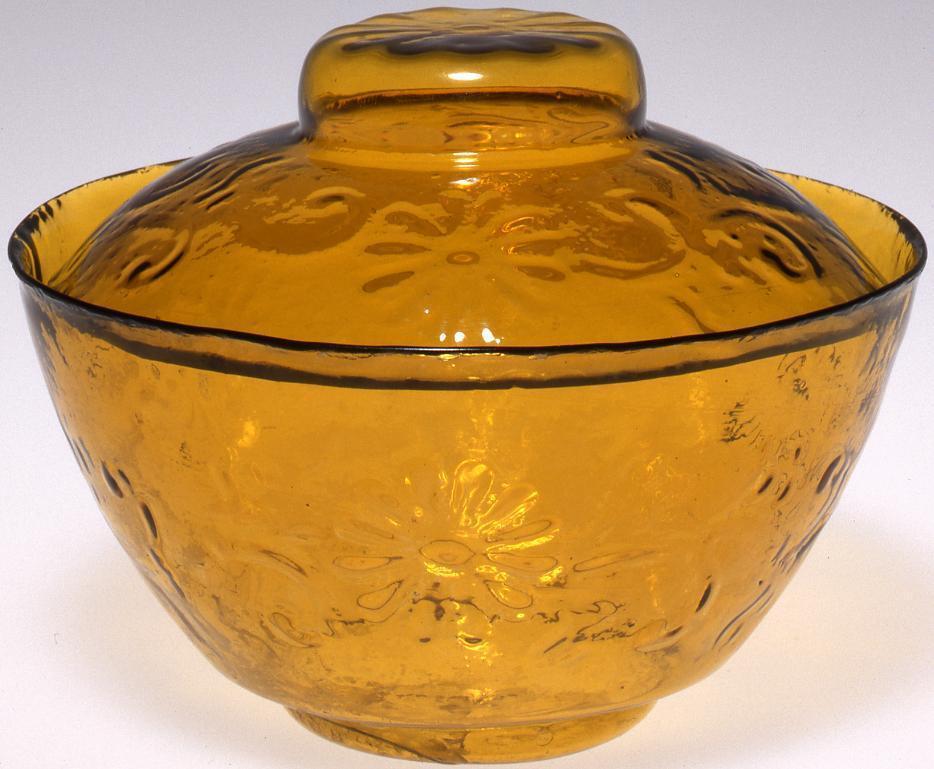 作品画像:黄色菊唐草浮文蓋付碗