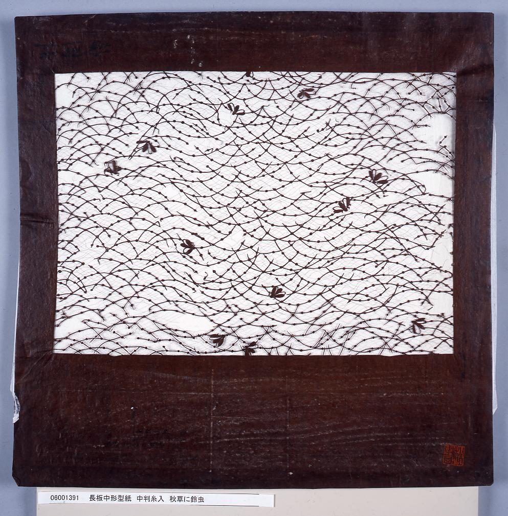 作品画像:長板中形型紙 中判糸入 秋草に鈴虫