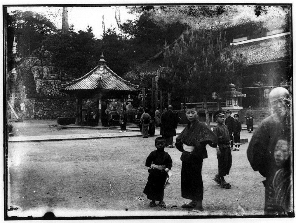 作品画像:三井寺境内