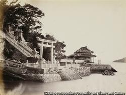 作品画像:亀山八幡宮の社殿へつながる階段