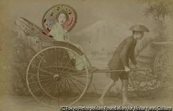 作品画像:(人力車に乗る女性)