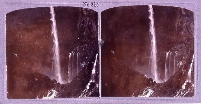 作品画像:華厳滝(No.215)