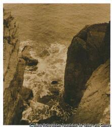 作品画像:岩を噛む濤