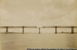 作品画像:キュブザック橋の再建(工事中)