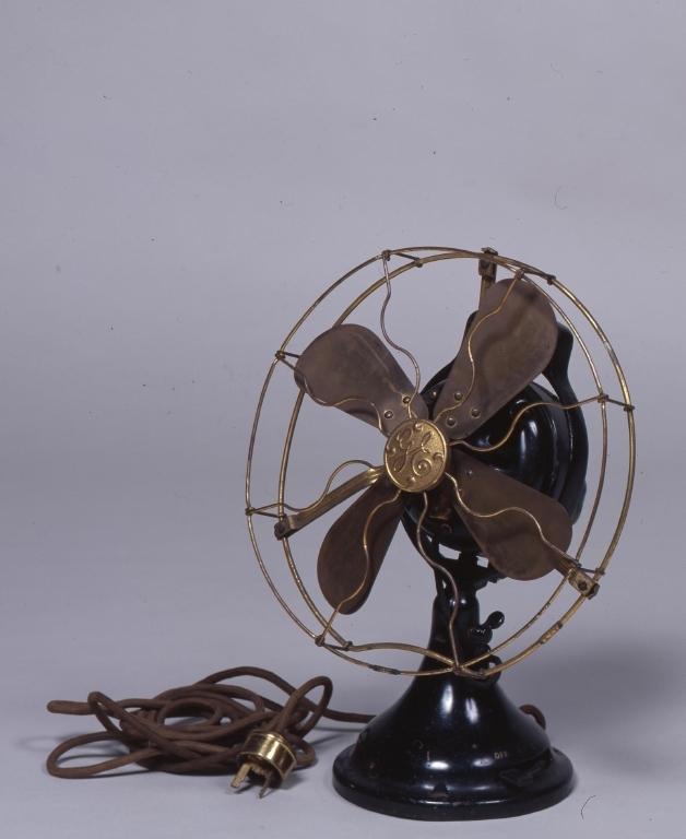 作品画像:電気扇風機
