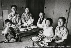 作品画像:小麦の収穫祝い、家族の肖像