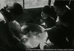 作品画像:三男の賀彦誕生
