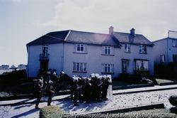 作品画像:ロンドンデリーのクレガン地区でも、「ボグサイドの戦い」で大きな衝突があった