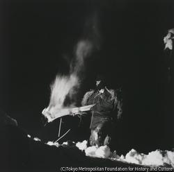作品画像:サイの神 火を運ぶ