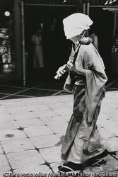 作品画像:東京銀座 森永前 流しのおばさん