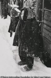 作品画像:草鞋を売る老婆