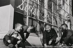 作品画像:東京銀座 サイゼリア前の子供たち
