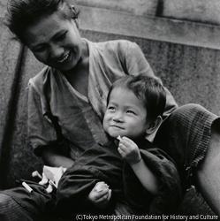 作品画像:銀座の乞食の母子(子供)