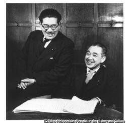 作品画像:鈴木茂三郎(右)、浅沼稲次郎(左)