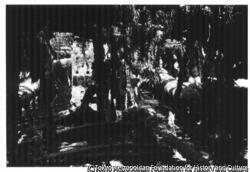 作品画像:引き上げられた伊号179潜水艦
