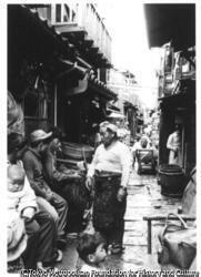 作品画像:せまい路地の生活5