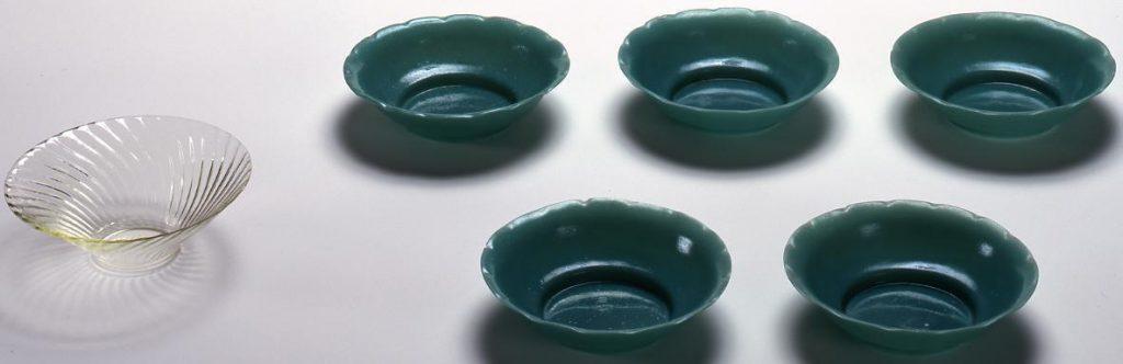 作品画像:乳青色輪花型皿
