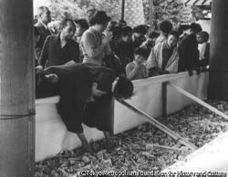 作品画像:靖国神社にて