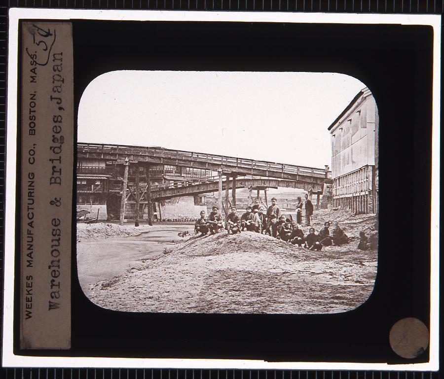 作品画像:倉庫と橋(幻燈原板)
