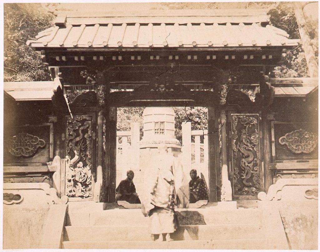 作品画像:寛永寺御表方御霊屋 浚明院中門と宝塔