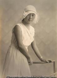 作品画像:夏の女性像
