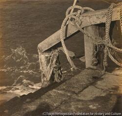 作品画像:(海辺の石段とロープ)