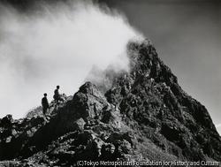 作品画像:雲晴れる槍ヶ岳、槍ヶ岳肩より