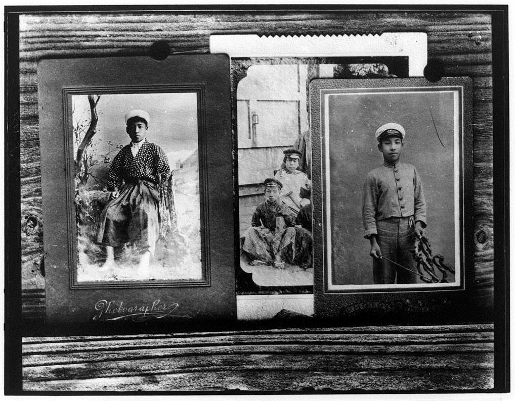 作品画像:青年記念写真3枚
