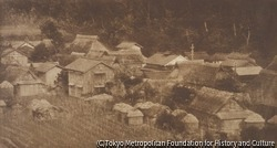 作品画像:山陰のある村