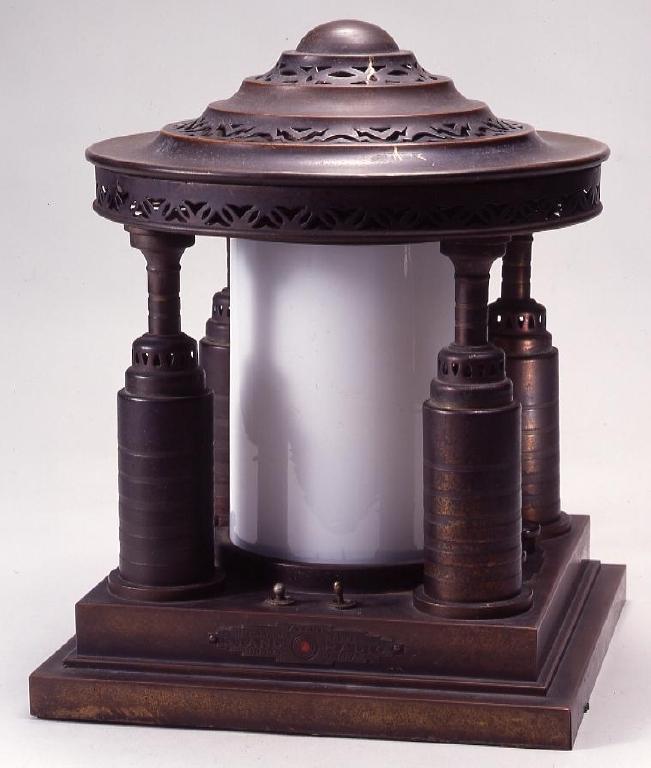 作品画像:電気スタンド型真空管ラジオ