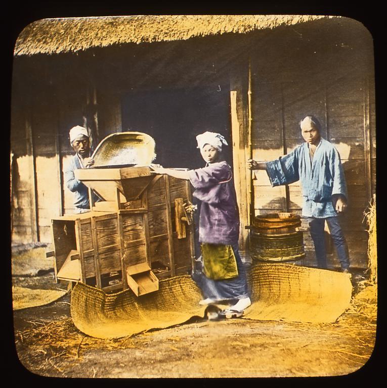 作品画像:唐箕で脱穀をする農民たち