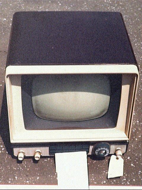 作品画像:テレビ