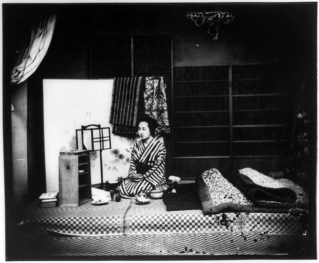 作品画像:寝床の女性