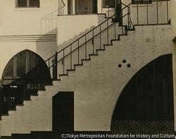 作品画像:(階段側面の壁)