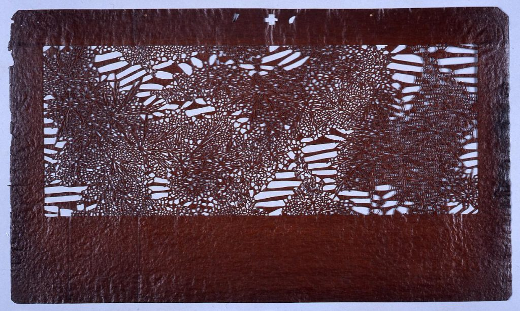 作品画像:長板中形型紙 かえで(小判 追掛)