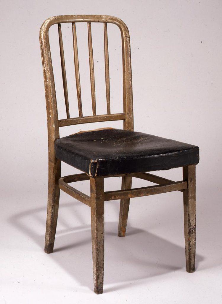 作品画像:同潤会江戸川アパートメント食堂の椅子