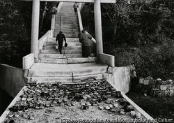 作品画像:拝所へ 奥武の山